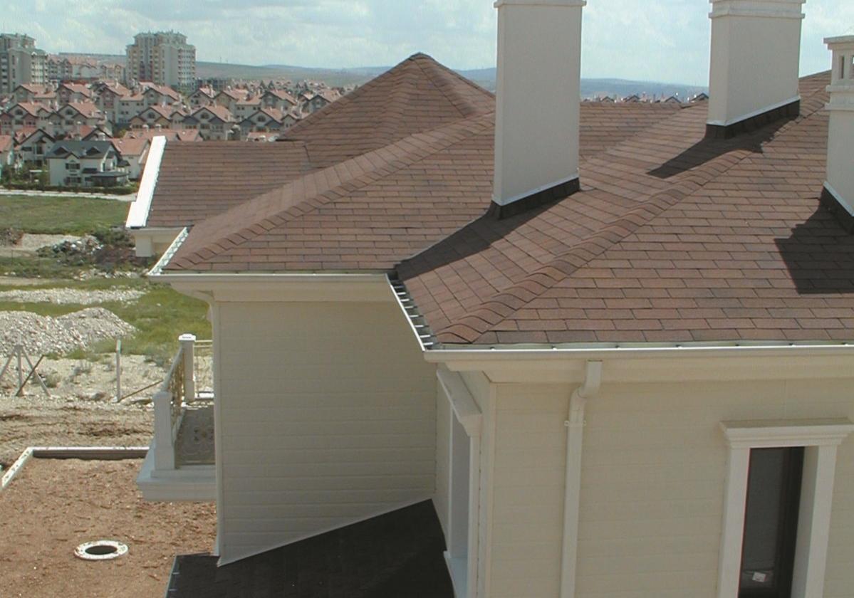 brązowe gonty dachowe bardoline realizacje